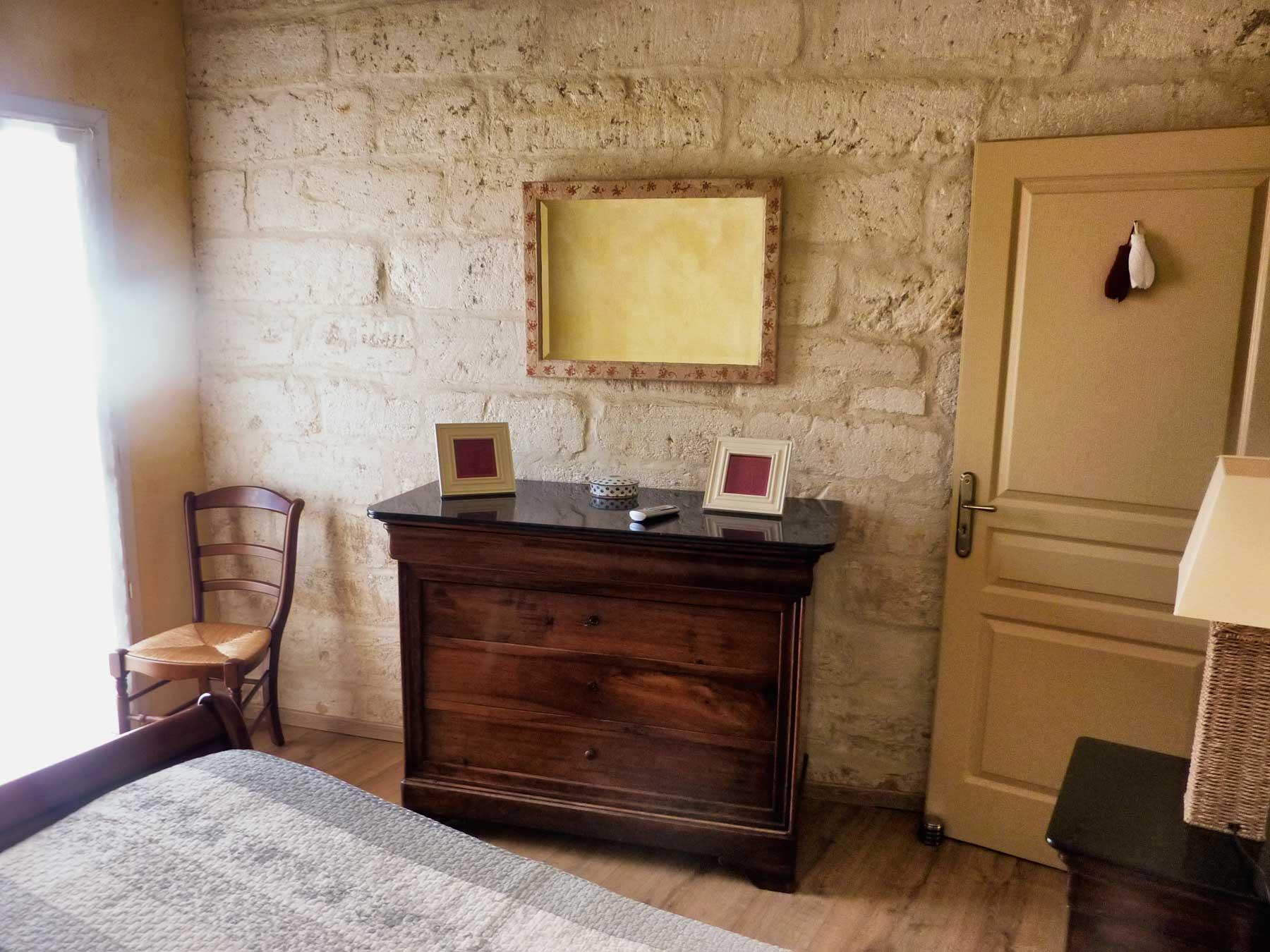 Idee deco salle de bain gris et vert: meubles pour une petite ...